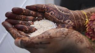 henna on groom india