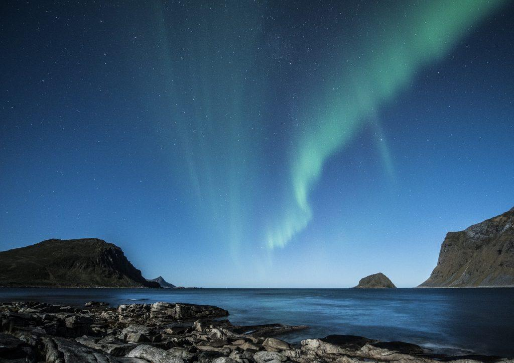 northern lights lofoten islands
