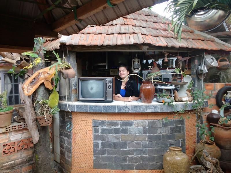 cafe antiques