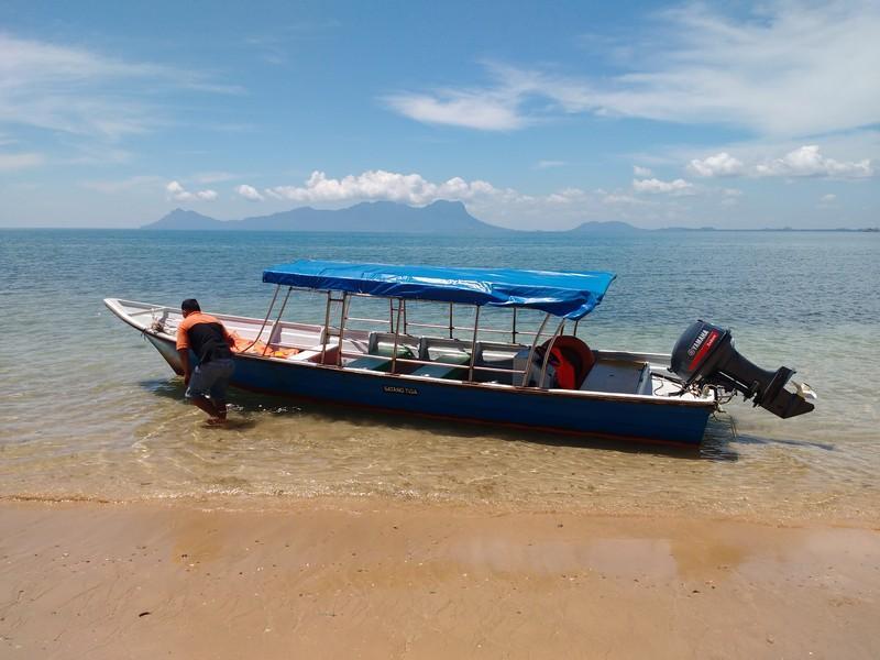 Pulau Satang Besar boat