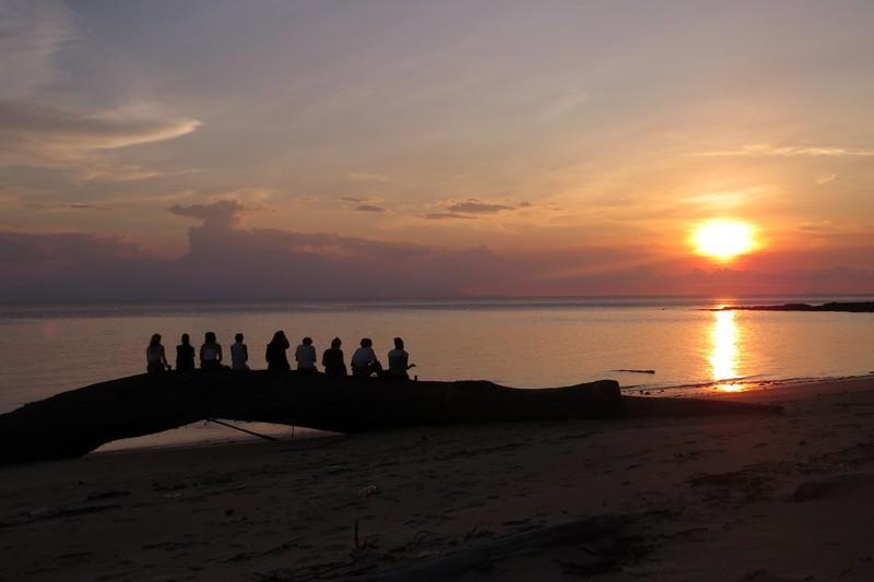 Finding Sea Turtles at Satang Island Kuching ...(And a Strange Episode)