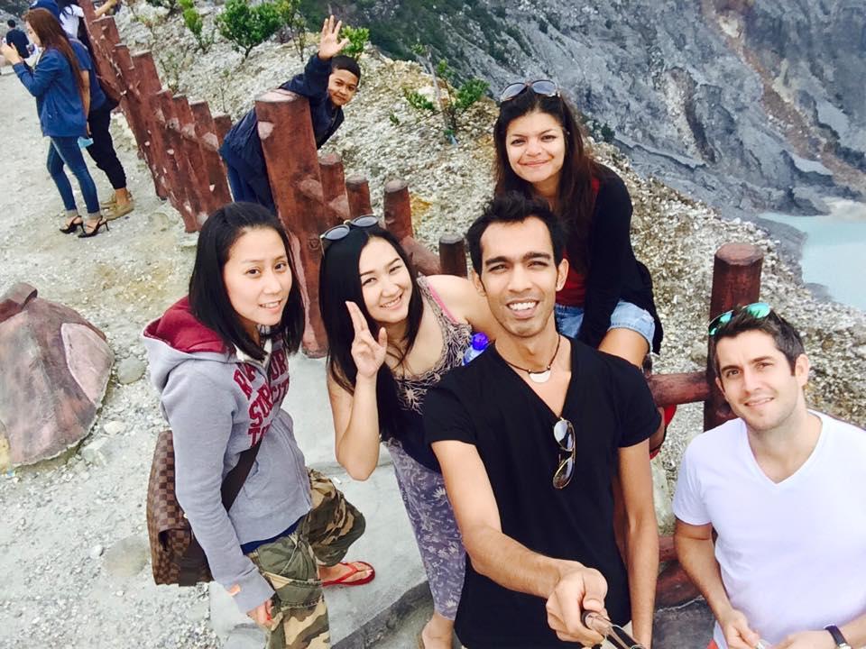 selfie tangkuban perahu