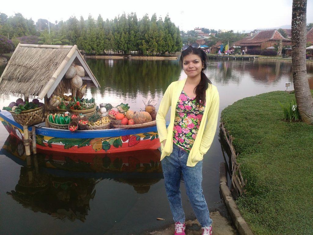 floating market lembang photo