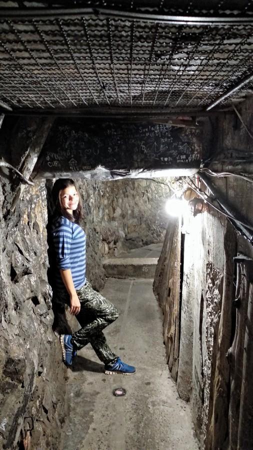 Narrow tunnel in Jiufen old street