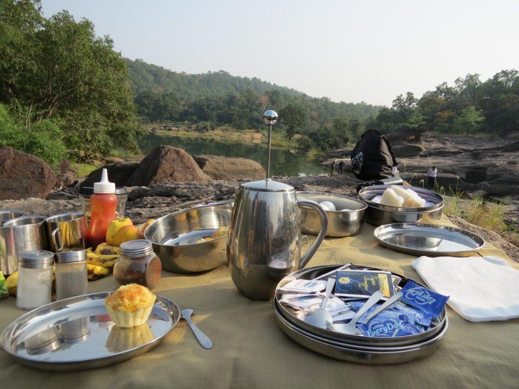 breakfast in jungle
