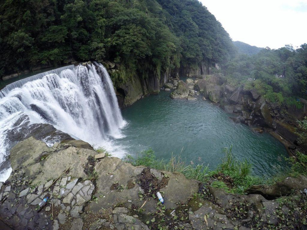 shifen waterfalls taiwan