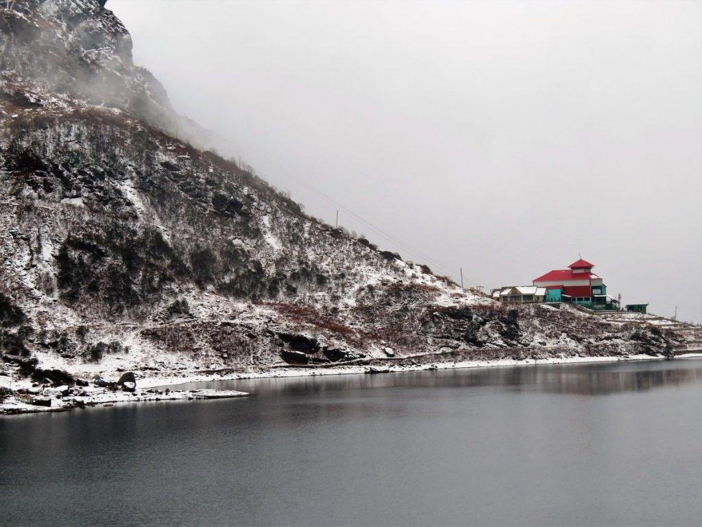 tsomgo lake scenery