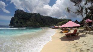 white sand beach nusa