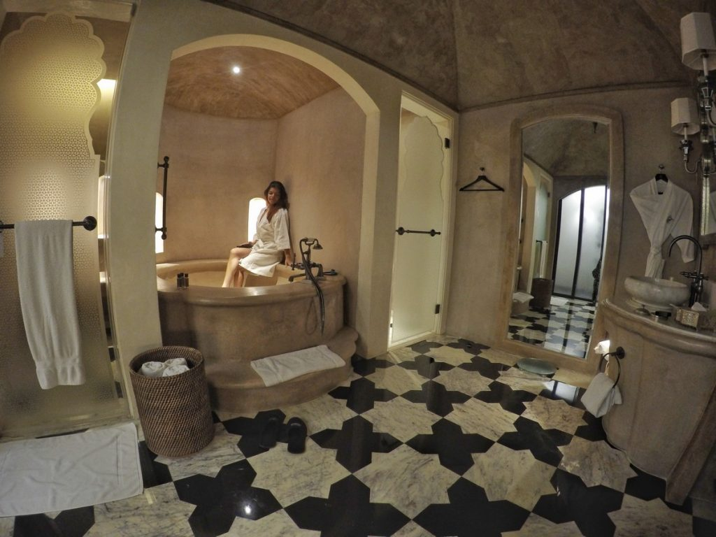 bathroom fairmont jaipur