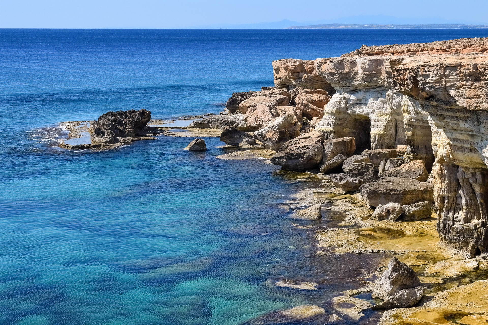 4 of the Most Convenient Ways to Travel Around Cyprus